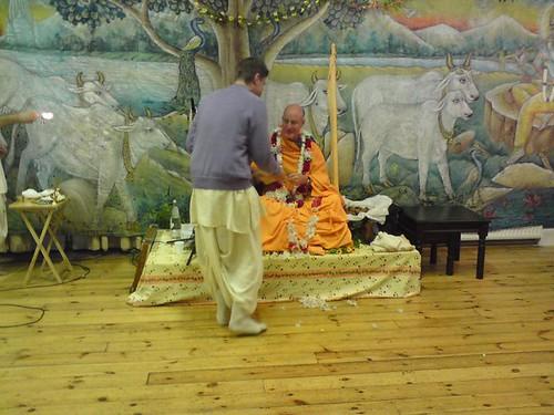 Indradyumna Swami Vyasa puja in UK 2010 -0013 por ISKCON desire  tree.