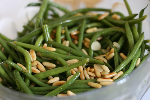 Green beans with pine nuts and fresh garlic