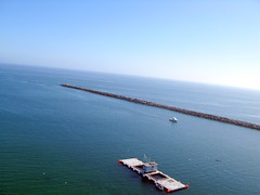 Kite Over Newport Beach California (Wind Watcher) Tags: california kite beach newport hero seals kap dopero windwatcher chdk