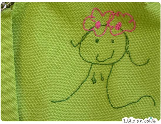 Bordando los dibujos de los niños