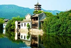 (summerrunner) Tags: china summer cinema reflection apple 35mm river aperture nikon flickr may nikkor 2010 生活 hengdian d80