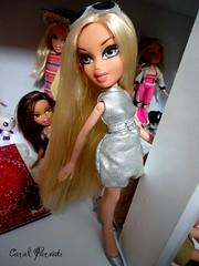 Sabrina (Carol Parvati ) Tags: sabrina blond grr bratz cloe girlzreallyrock carolparvati