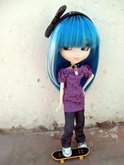 Skater (LaWichan) Tags: blue girl robin japan azul japanese spain doll chelsea chica canarias chick niña skate tenerife skateboard groove skater pullip japonesa canaryislands muñeca japonés japón junplanning lawi