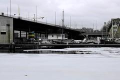 prima che sia tardi (~mariateresa~) Tags: cold reflection stockholm memories ricordi riflessi freddo stoccolma frozenriver svezia ghiacci ghiacciato