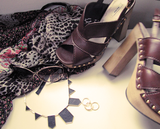 miu miu clogs sandals+house of harlow necklace+rings