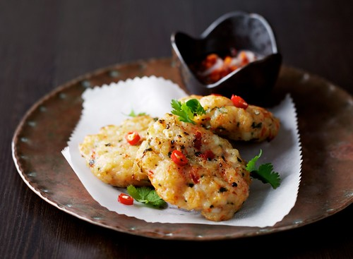 prawn cakes  with sweet chili sauce