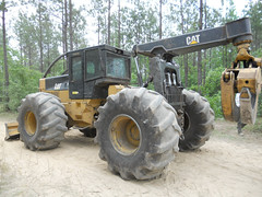 2007 CAT 545C with 5500 Hours for Sale 01 (Jesse Sewell) Tags: cat forsale forestry logging 360 caterpillar 525 winch 630 deere 660 grapple 545 620 catarpillar 560 tigercat 460 timberjack 848 catrpiller 648h singlearch 525b 360c 450c 560c 610c 660c 620c catrpillar 540h 640g 535b 460c 525c wwwskidderzonecom skidderzone 518c 540g dualarch 535c wwwjessesewellwordpresscom wwwyoutubecomuserskidderzone wwwflickrcomphotosskidderzone 545c 648g 748g 548g 548g2 548gii 540g2 540gii 540giii 548g3 540g3 640g2 640gii 640giii 640g3 640h 548h 748h 848h 848g3 848giii 848g2 648gii 630c 630d e620c