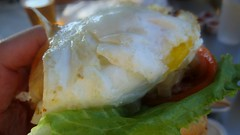 yeah! burger - got egg? by foodiebuddha
