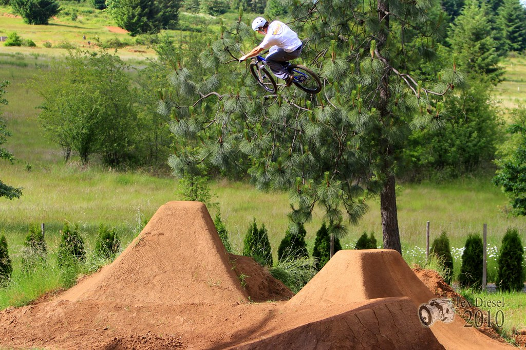 Backyard Bmx Jumps how to build dirt jumps - pinkbike forum