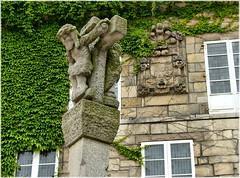 1387-Casa do Consulado-Cidade vella (Coruña) (jl.cernadas) Tags: spain coruña europe galicia galiza pedra piedra acoruña escudos cidadevella