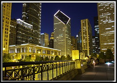 Chicago's Diamond (Yavuz Alper) Tags: city longexposure chicago building colors stone skyline architecture night hall illinois downtown fuji northwest michigan unique iceskating bears center bean bulls diamond container bluehour avenue smurfit skycraper mimari gece phenomenal memleket superccd gkdelen illinoischicago s6000fd mavisaat ikago