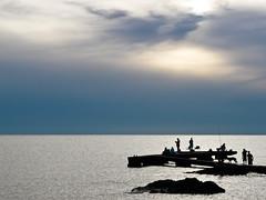 Pesca al Atardecer (fabianpena - Movieteca.com) Tags: muelle pesca dmcfz18