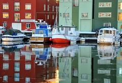 Kanalen, Trondheim (ystenes) Tags: winter norway reflections photography norge photo vinter nikon foto norwegen 1001nights trondheim srtrndelag norvege fotografi kanalen bilde magiccity trndelag d90 havna nikond90 drontheim midtnorge tronhjem 1001nightsmagiccity mygearandmepremium mygearandmebronze mygearandmesilver mygearandmegold magiccty mygearandmeplatinum mygearandmediamond rememberthatmomentlevel4 rememberthatmomentlevel1 rememberthatmomentlevel2 rememberthatmomentlevel3 rememberthatmomentlevel5