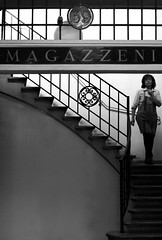 magazzeni ([scara]) Tags: italy woman stairs donna italia market mercado scala modena mercato march magazzino magazzini ligabue colorphotoaward homessovia magazzeni