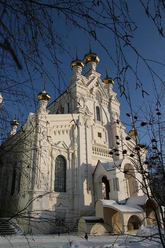 Озерянская церковь, Покровский монастырь