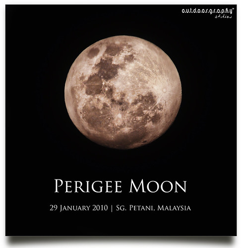 Perigee Moon | 29 January 2010 (by Sir Mart Outdoorgraphy™)