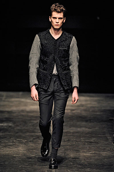 William Eustace3034_FW10_Paris_Gaspard Yurkievich(nikestav10@mh)