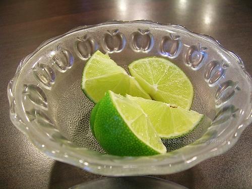 鼎越豐越南麵食館(老店) - 增添滋味的檸檬