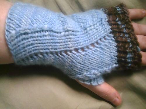 Malabrigo anniversary mitts reversed - how versatile! ;)