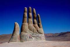 Desert Hand (Jaime Atria) Tags: sculpture hand desert escultura mano desierto antofagasta irarrázaval desiertodeatacama atacamadesert nortedechile esculturachilena jaimeatria