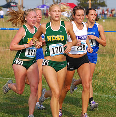 NDSU (GRey_WoLFie) Tags: blue green college yellow run blonde runners athletes xc nikkor toned 2009 fit compete bof d80 greywolfie