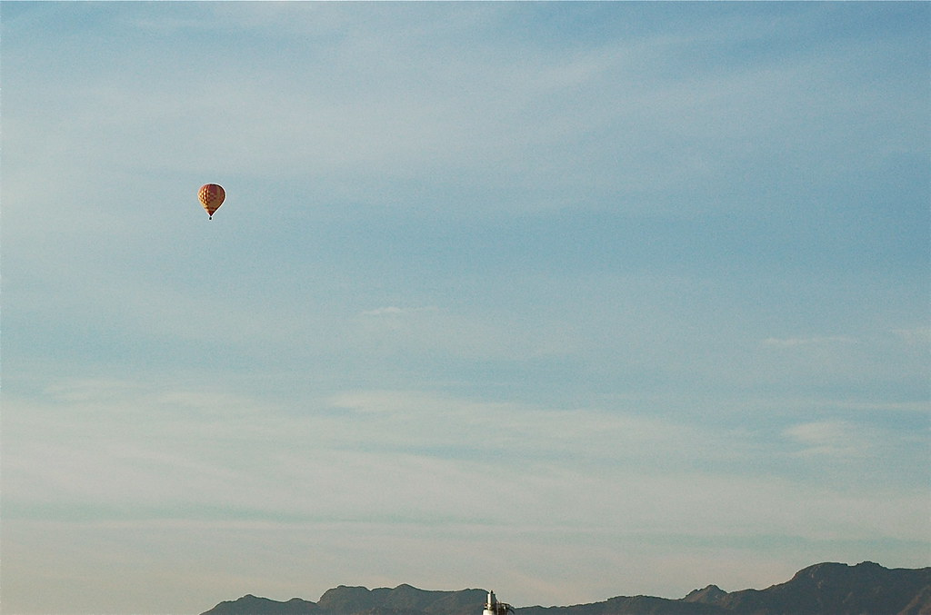 balloon over Tucson