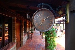 Time Stops for Me (jaeson_K) Tags: ca usa clock bar restaurant bricks wideangle lajolla resort cobblestone jaeson