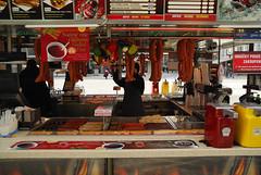 Praga (Radosaw Kut) Tags: street food czech prague sausage praha praga minibar ceska czechy cesko