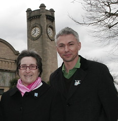 With Jonathan outside the Horniman (Cllr Chris Best) Tags: jonathanedwards hornimanmuseum olympicpin