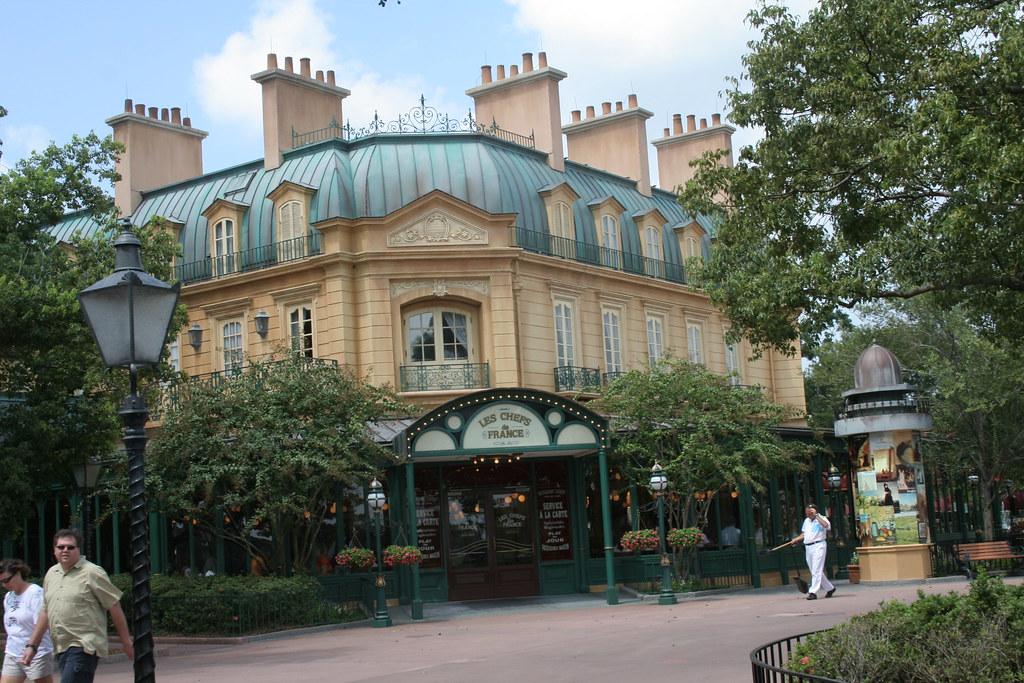 Les Chefs de France & Bistro de Paris restaurants