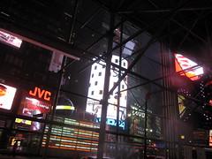 80s Tech-Noir (El Alcalde de l'Antartida) Tags: newyorkcity manhattan nyc night lights nocturnal urban metropolis cityscape downtown noir futuristic timessq neon signs loud illumination luci logo insegne pubblicita marketing centro citta metropoli modern scaffolding scaffold
