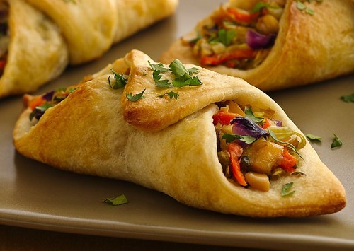 Asian-Spiced Cashew-Chicken Piadinis
