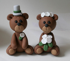 Bear Wedding Cake Topper (fliepsiebieps1) Tags: bear flowers wedding sculpture brown grey groom bride handmade gray polymerclay caketopper custom figurine