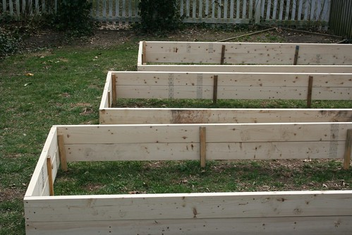Staggered beds