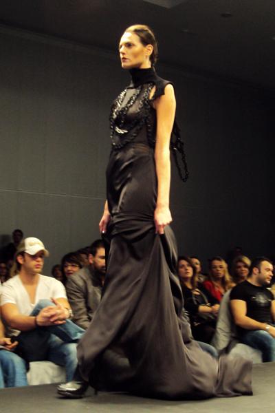 fashionarchitect_AXDW_Romina_Karamanea_03