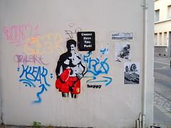 Bay Watch / Alerte a Malibu (happy!!!) Tags: street streetart art collage happy sticks lyon mitch stickers anderson pamella klear herminor herminorgold herminorcrew buckanon roum1 aziler