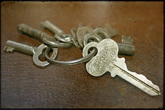 Love is the master key that opens the gates of happiness~ 84/365 (~ Amy) Tags: love keys skeletonkeys antiquekeys crazyiknow oncelongago iwouldlovetoknow anotheroneofmycollections butiamobsessed withvintagethings thingswithhistory whatdoiholdthekeysto justwhateachofthesewentto