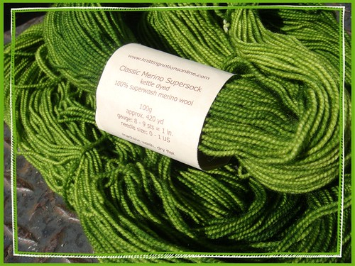 squishy pretty green socken yarn