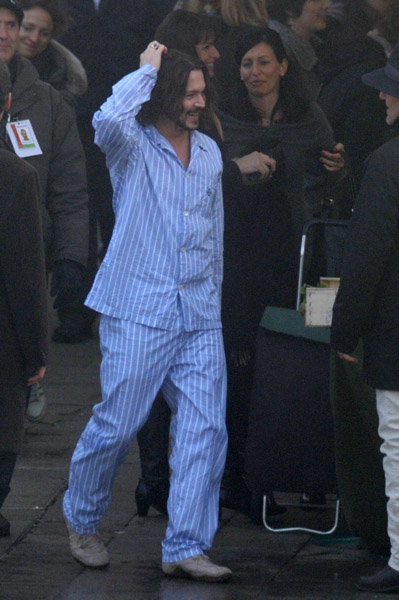 Johnny Depp wearing pajamas The tourist