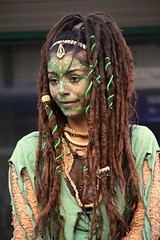Witchcraft (Gaby.Bernstein) Tags: portrait woman girl face dreadlocks costume gaby witch makeup streetperformer dreads bernstein bernsteingaby gabybernstein snakeskeletonneclace