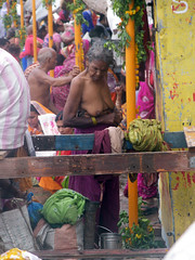 Women Changing Clothes (amiableguyforyou) Tags: india men up river underwear varanasi bathing dhoti oldmen ganges banaras benaras suriya uttarpradesh ritualbath hindus panche bathingghats ritualbathing langoti dhotar langota