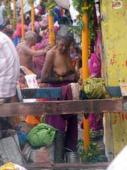 Women Changing Clothes (amiableguyforyou) Tags: india men up river underwear varanasi bathing dhoti oldmen ganges banaras benaras suriya uttarpradesh ritualbath hindus panche bathingghats ritualbathing langoti dhotar langota