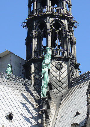 notre dame statues.jpg