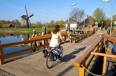 23 april 2010, de Koedijker Vlotbrug (Sierag) Tags: holland netherlands nederland brug alkmaar noordholland janblanken bruggen noordhollandskanaal vlotbrug koedijk blanken koedijkervlotbrug overspanning waterenbruggen dekoedijkervlotbrug vlotbruggen
