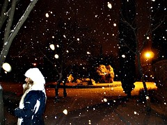 Alice in the snow (Garabatera) Tags: madrid espaa snow night noche spain alicia nieve coslada
