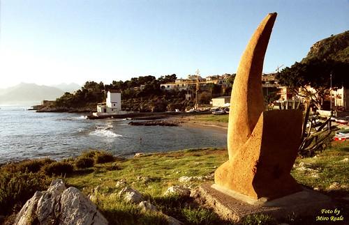 scultura e casetta s.nicolicchia