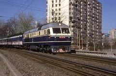 DF11 0114  Peking  15.04.99 (w. + h. brutzer) Tags: china train eisenbahn railway zug trains locomotive cr peking lokomotive diesellok eisenbahnen dieselloks