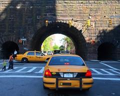 M134 Metro-North Park Avenue Arch Bridge over East 104 Street, Harlem, New York City (jag9889) Tags: city nyc railroad bridge ny newyork yellow puente arch crossing harlem manhattan taxi tracks bridges railway tunnel ponte pedestrians pont mta elevated cabs brücke metronorth parkavenue 2010 m134 y2010 e104street jag9889