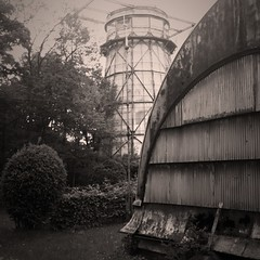 Structures close to the Einsteinturm