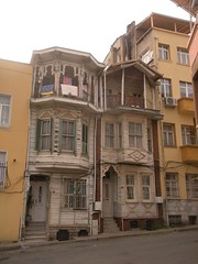 traditional Istanbul architecture of yesteryear (sftrajan) Tags: architecture turkey wooden traditional trkiye istanbul trkei estambul yedikule